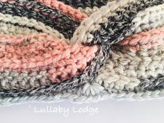 Lullaby Lodge: Timeless Drifter Earwarmer - A quick & easy make to keep those ears nice and toasty this winter. Crochet Ear Warmer Pattern, Crochet Bookmark Pattern, Crochet Cozy, Crochet Bookmarks, Crochet Crafts, Crochet Projects, Free Crochet, Crochet Patterns, Hat Crochet