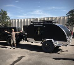 The Summit Camper is a tough trailer designed and developed to reach the most remote and off the grid spots while ensuring a very reasonable shelter, gear storage and comfort. Small Camper Trailers, Off Road Camper Trailer, Small Campers, Camper Caravan, Trailer Build, Teardrop Camper Plans, Teardrop Trailer, Camping In Pa, Gypsy Trailer