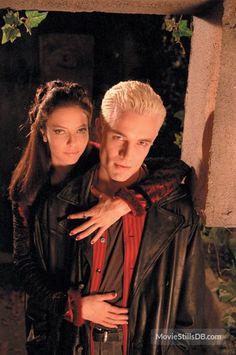 Buffy the Vampire Slayer - Promo shot of James Marsters & Juliet Landau