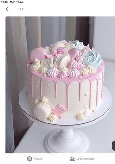 Candy Birthday Cakes, Creative Birthday Cakes, Elegant Birthday Cakes, Beautiful Birthday Cakes, 18th Birthday Cake, Creative Cakes, Cake Decorating Designs, Creative Cake Decorating, Cool Cake Designs