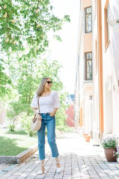 3 x puhvihihat   pinjasblog Mom Jeans, Blog, Pants, Fashion, Trouser Pants, Moda, Fashion Styles, Blogging, Women's Pants