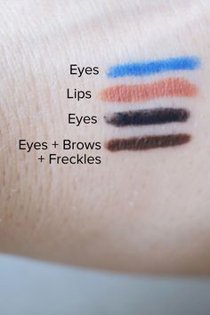 Clarins Stylo 4 Couleurs swatches.