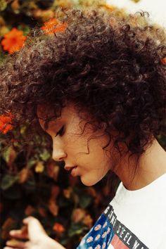Imagem de girl, hair, and curly