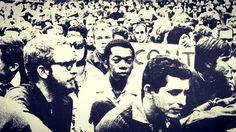 Milton fotografado no meio do povo em plena Passeata dos Cem Mil. 26 de junho de 68. Centro do Rio.