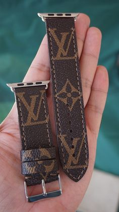 LV Diagonal Iwatch StrapApple Watch Band - Applewatch - Ideas of Applewatch - Cute Apple Watch Bands, Gucci Apple Watch Band, Black Apple Watch Band, Apple Watch Bands Fashion, Apple Watch 3, Apple Watch Series 3, Smartwatch, Iphone Watch Bands, Apple Watch Wristbands