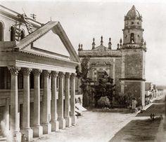 Teatro Degollado Y Templo De San Agustin