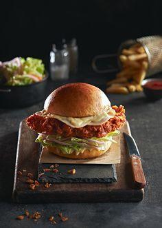 "Portobello Lounge ""Menu"" on Behance Gourmet Burgers, Turkey Burgers, Veggie Burgers, Dark Food Photography, Burger Toppings, Food Menu Design, Good Food, Yummy Food, Pub Food"