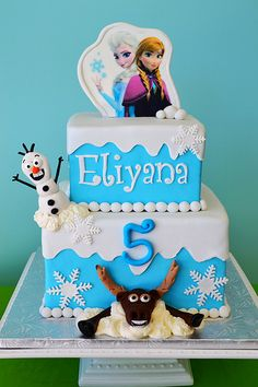 Frozen Cake with Elsa, Anna, Olaf and moose. By Simply Sweet Creations (www.simplysweetonline.com)