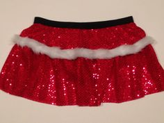 Santa Running Costume by RockCitySkirts on Etsy Run Disney Costumes, Running Costumes, Halloween Costumes, Race Day Outfits, Cute Outfits, Running Skirts, Running Wear, Holiday Fashion, Holiday Style