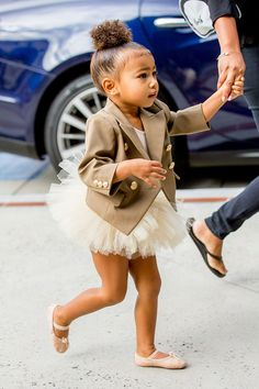 Read from the story Kim Kardashian's Daughter by HoneyMikaelson (LilMamaMaloley-Luh) with 217 reads. Estilo Kardashian, Kardashian Family, Kardashian Style, Cute Outfits For Kids, Toddler Outfits, Cute Kids, Baby Girl Fashion, Toddler Fashion, Kids Fashion