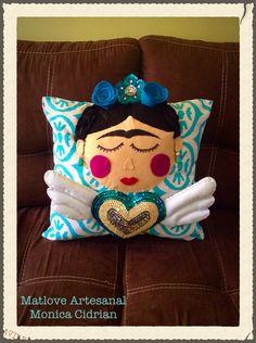 Cojines decorativos Frida Kahlo. Matlove Artesanal Monica Cidrian. Matamoros Tam,México