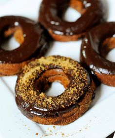 What makes these pumpkin donuts so good (besides the chocolate and coconut sugar) is psyllium husk powder, which gives the donuts that squishy texture that's missing from many baked paleo treats because they lack gluten. So while you don't have to use it for this recipe, the...