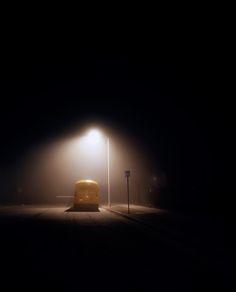 Sombres, parfois sinistres et angoissantes, les photos de la série Night Landscapes par Amanda Friedman sont non retouchées et ont toutes été prises de nuit. http://www.laregalerie.fr/night-landscapes-par-amanda-friedman/