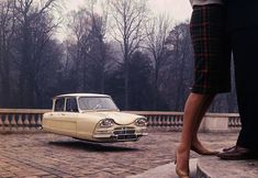 Recalling the same retro-futuristic flair of Marion's Air Drive Photography, Swedish artist Jacob Munkhammar created suggestive images of vintage Citroen cars digitally retouched to appear as futur. Citroen Ds, Hover Car, Hover Bike, Combi Split, Space Car, Strange Cars, Automobile, Cars Series, Flying Car