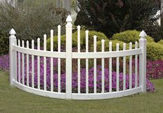 Round Accent Fence Corner ~ TOTALLY in ❤!!! This would work perfectly at the corner of the property :o) YAY!!