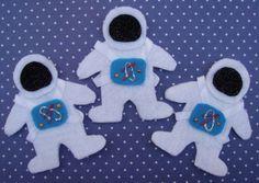 Crack of Dawn Crafts: Astronaut Felt Finger Puppets