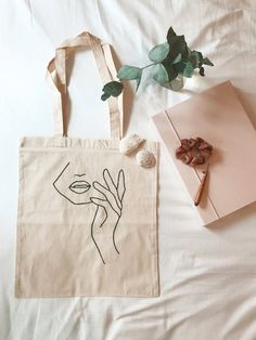 Sacs Tote Bags, Canvas Tote Bags, Printed Tote Bags, Broderie Simple, Aesthetic Bags, Organic Nails, Embroidery Bags, Cotton Tote Bags, Designer Purses