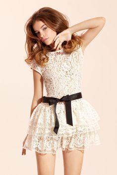 Lace dress / Stella Forest