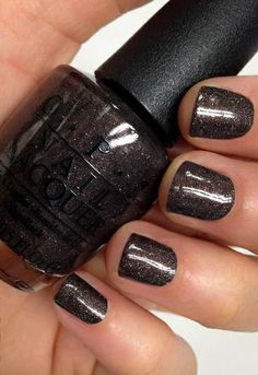 Best Nail Polishes Available In India – Our Top 10