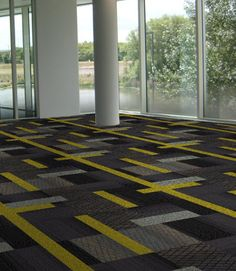 Interface carpet tile in Zesty Mono palette. Collection Histonium, Berolinum & X Loop