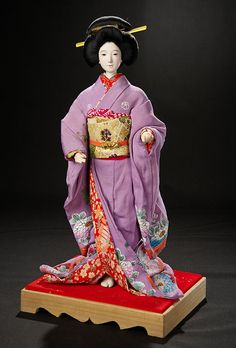 "The Doll Collection of Huguette Clark: 123 Japanese ""Beautiful Lady"" (Isho-Bijan) in Elaborate Lilac Costume Japanese Geisha, Japanese Doll, Hina Dolls, Traditional Toys, Japan Outfit, Feather Painting, Asian Doll, Bisque Doll, Miniature Dolls"