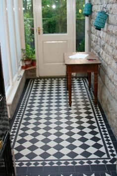 DR long Run Of Victorian geometric tiles finished floor - Victorian Reproduction tiling - Gallery - CFJ Flooring Forum House Design, Victorian Homes, Victorian Porch, Porch Flooring, Porch Tile, Edwardian House, Victorian Tiles, Geometric Tiles, Victorian Interiors