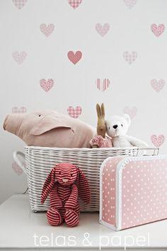 papel pintado infantil corazones estampados en fresas, telas & papel