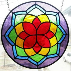 Stained glass mandala Stained Glass Flowers, Faux Stained Glass, Stained Glass Designs, Stained Glass Panels, Stained Glass Projects, Stained Glass Patterns, Leaded Glass, Mosaic Glass, Mandalas Drawing
