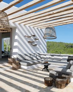 See the new colour range from Plascon/ What's on sale at SHF Home and Mervyn Gers Ceramics/ Stunning Ibiza Villa by La Grange Interior: Outdoor Lounge, Outdoor Rooms, Outdoor Living, Outdoor Decor, Ibiza Style Interior, Ibiza Fashion, Spanish House, Interior And Exterior, Villa
