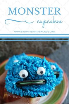 Cookie Monster Cupcakes perfect for kids birthday parties, baby showers, etc. A great idea for any type of cookie eating monster or Sesame Street themes too.