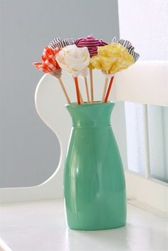 No Sew Fabric Flowers... In a mason jar with ribbon