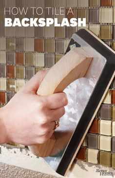 How to Tile A Backsplash. Give your kitchen a new look in just one weekend with a do-it-yourself tile backsplash. Free printable guide and simple-to-install mosaic tile sheets. Diy Projects To Try, Home Projects, Diy Décoration, Diy Crafts, Home Repairs, Home And Deco, Do It Yourself Home, Better Homes And Gardens, Diy Home Improvement