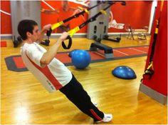 #TRX #Espalda. Rotación de Hombro. He incluido este ejercicio dentro del grupo musculara de la espalda debido a que, aunque se hayan considerado el/los rotador/escomo parte del trabajo del deltoides, la musculatura implicada sería, supraespinoso, infraespinoso, redondo menor y subescapular. Esta musculatura la localizamos en la parte posteriorde la esplada, concretamente en la escapula.
