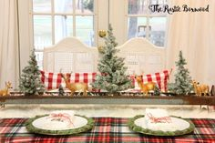 Styling a woodsy tablescape for Christmas   The Rustic Boxwood   DIY, Christmas decor ideas, Christmas tablescape ideas, home for the holidays, buffalo-check, vintage throw, chicken feeder, fake snow, Christmas project ideas
