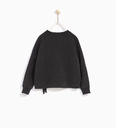 Image 4 of KNOTTED SWEATSHIRT from Zara