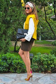 Fashion and Style Blog / Blog de Moda . Post: Khaki & mustard / Caqui y mostaza .More pictures on/ Más fotos en : http://www.ohmylooks.com/?p=24044 .Llevo/I wear: Skirt/Falda : Zara (sales) ; Blouse/Blusa : Primark ; Bag / Bolso : Pedro Miralles ; Sunglasses/Gafas de sol : Ray-ban ; Shoes/Zapatos : Pilar Burgos Limited edition (last year)