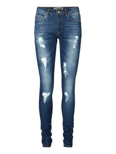 LUCY jeans - normal waist / slim fit. #noisymay #fashion #jeans #style