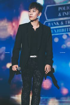 — thekoreanbigbang: 161226 Seungri at SBS Inkigayo. Daesung, Bigbang Vi, Big Bang, Gwangju, Yg Entertainment, Sung Hyun, Gd & Top, G Dragon Top, Top Choi Seung Hyun
