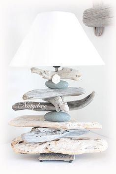 Nouveauté Lampe en bois flotté NATYDECO  en vente sur http://www.natydecocorse.com