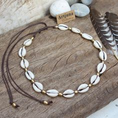 Cowrie Shell Necklace Cowrie Choker Shell Jewelry One of our all time favor Seashell Jewelry, Seashell Necklace, Boho Necklace, Cute Jewelry, Boho Jewelry, Handmade Jewelry, Jewelry Design, Turquoise Jewelry, Earrings Handmade