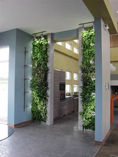 Mobile Living Walls : Lively Elements