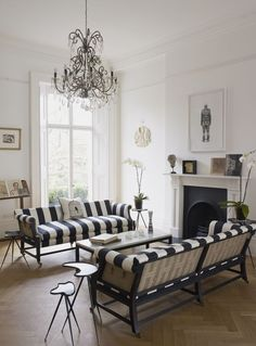 Decor Inspiration : A Bright and Modern 1840s London Town House
