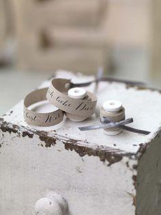 Ihr wollt eigene Eheversprechen verfassen? Wir haben die 65 schönsten Beispiele von echten Hochzeiten gesammelt. So wird das selbst Schreiben ganz leicht.