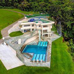 Amazing Modern Luxury Home and Pool