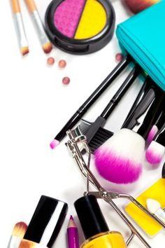 Makeup Brands That Test on Animals VS Cruelty Free Brands