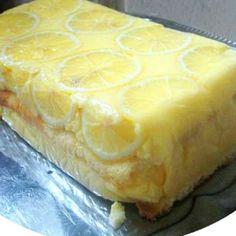 15 egyszerű, de nagyszerű pudingos sütemény | Nosalty Camembert Cheese, Deserts, Dairy, Ethnic Recipes, Food, Essen, Postres, Meals, Dessert