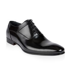 Handmade Plain-toe Oxford in polished calfskin on a leather sole.
