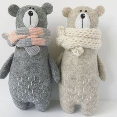 Sewing Toys, Sewing Crafts, Sewing Projects, Free Sewing, Hand Sewing, Sewing Stuffed Animals, Stuffed Toys Patterns, Stuffed Animal Diy, Felt Stuffed Animals