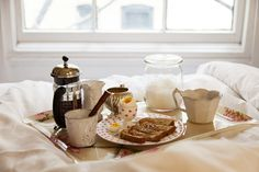 Breakfast in a bed / photo by The Selby