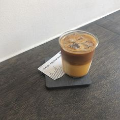 Coffee Is Life, Coffee Time, Morning Coffee, Iced Coffee, Coffee Drinks, Aesthetic Food, Aesthetic Grunge, Cozy Cafe, Cafe Food